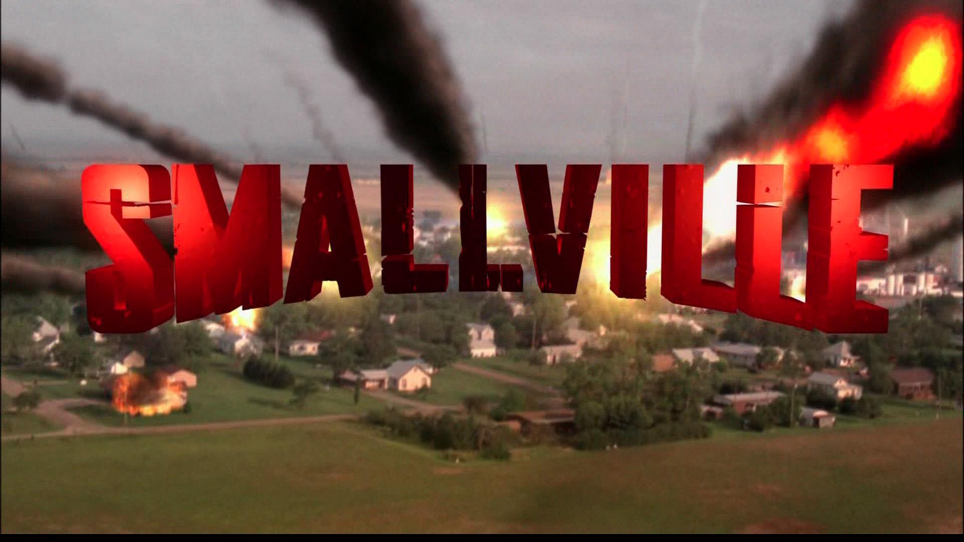 http://www.fortalezadelasoledad.com/notas/SmallvilleNewOpeningCredits.jpg